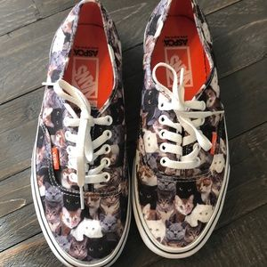 Vans shoes for cat 🐱 lovers